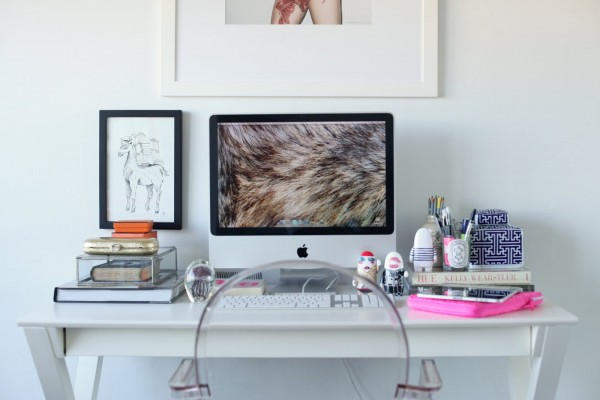 Lovin' this blogger perfect desk style from Peep My Style.